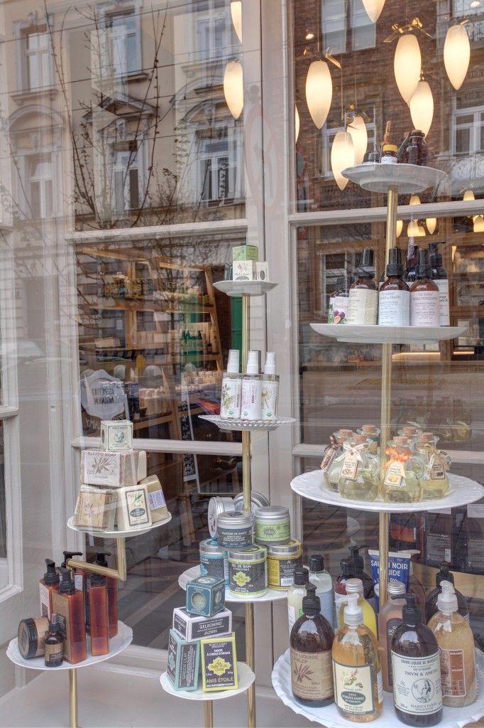 Witryna_ekspozycyjna_sklepu_Boutique_naturalne_kosmetyki